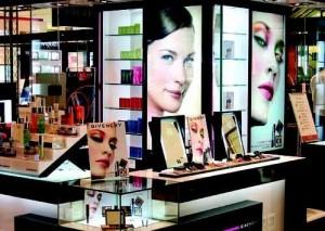 化妆品零售增速创新低