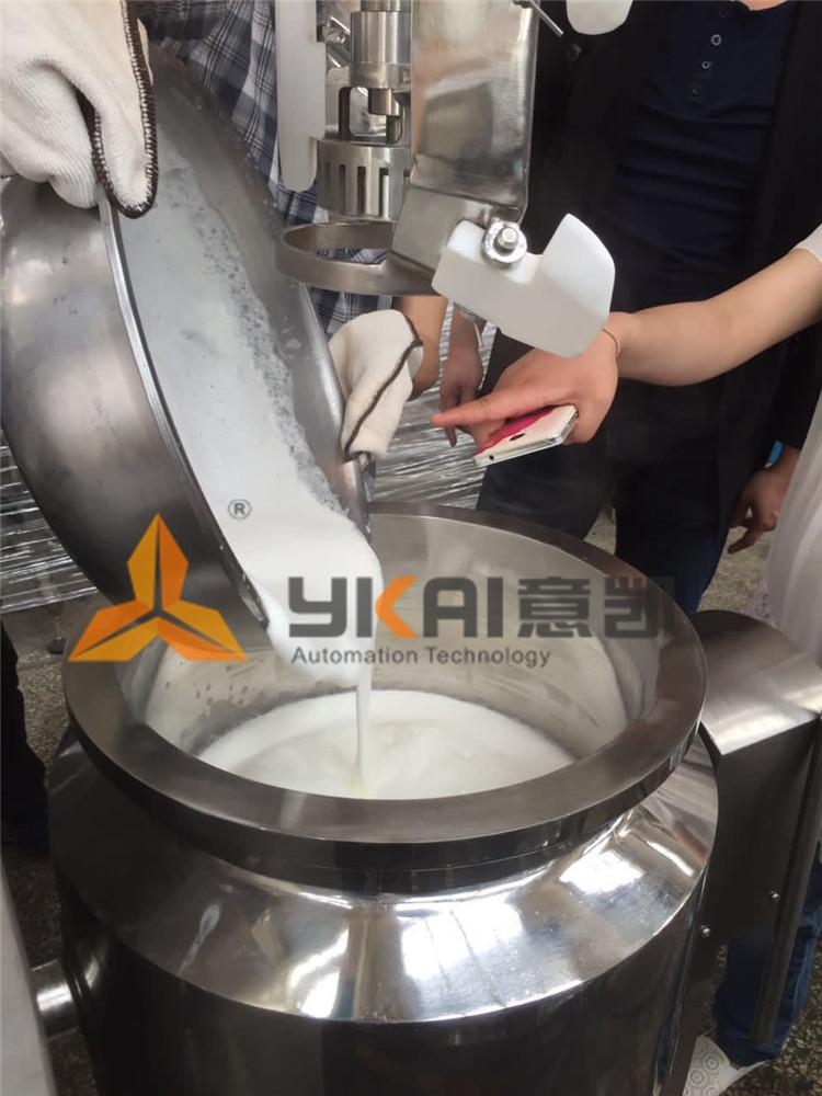 上海某食品连锁来厂试机-泡芙、面包馅料
