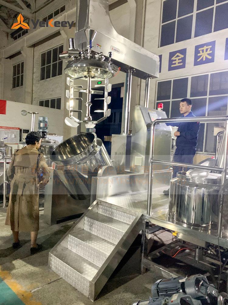 哈萨克斯坦客户考察乳化机2